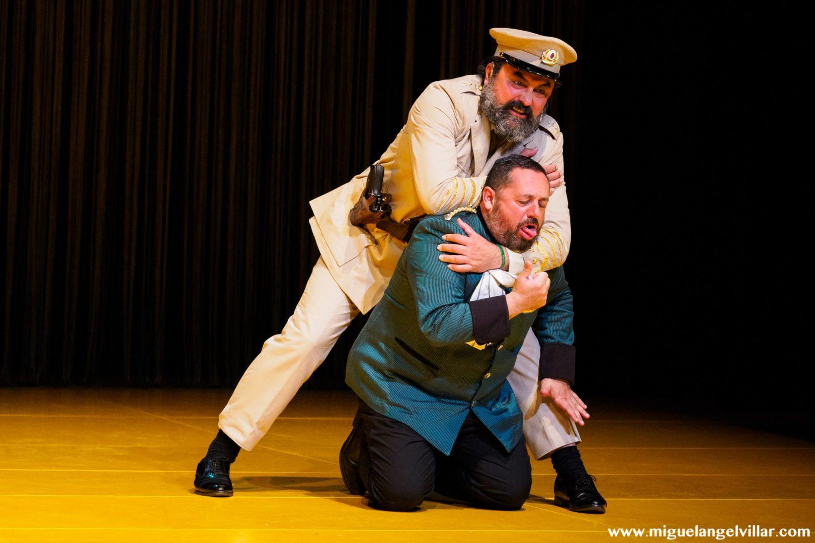 La comedia de las mentiras - Paco Tous & Pepón Nieto
