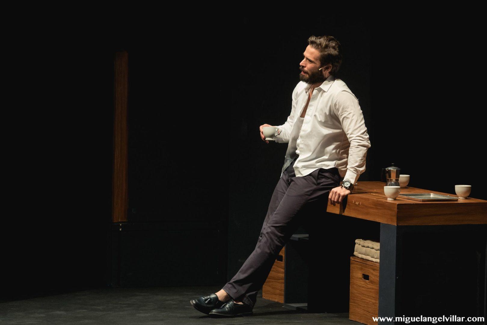 Dos más dos - Álex Barahoma